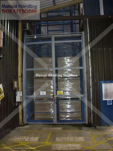Comma Oil Double Pallet Goods Lift 500 kg Capacity