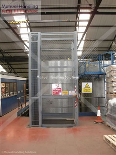 Comma Oil Single Pallet Goods Lift 500 kg Capacity